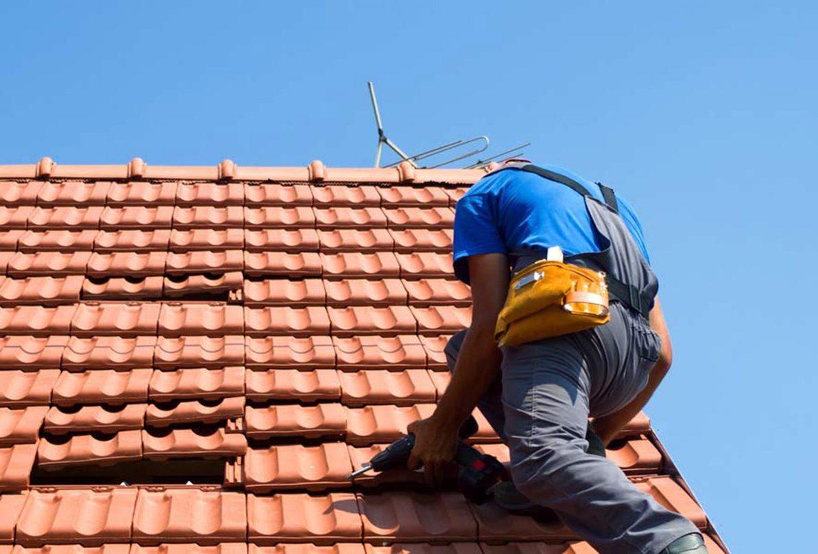 Takläggning fasadrenovering hantverkare