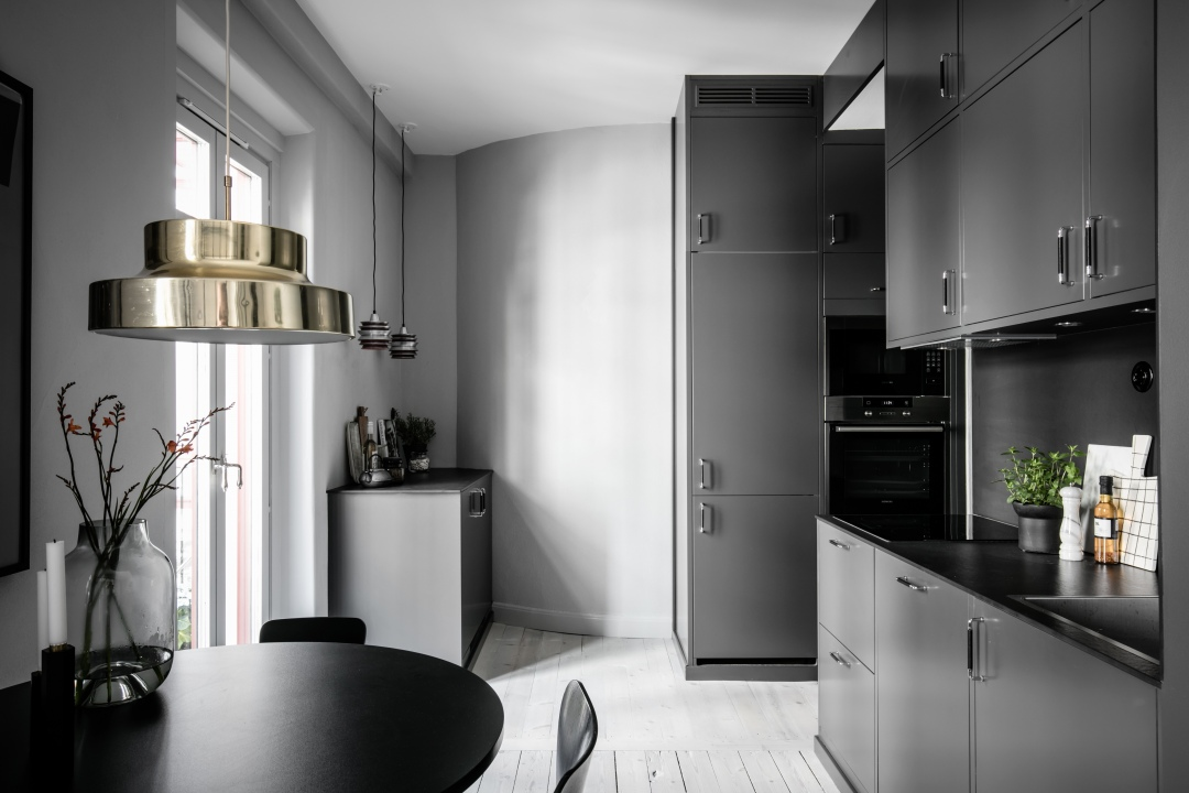 Konvertering av källare badrum golv kakel klinkers